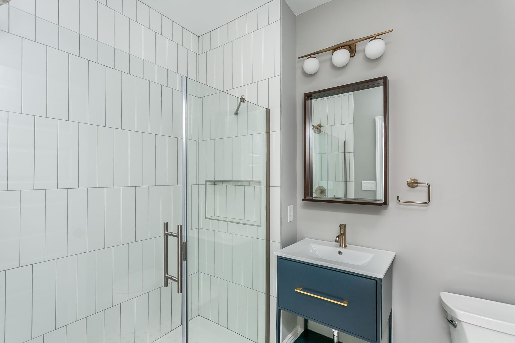 Bathroom remodel in Baltimore Row Home