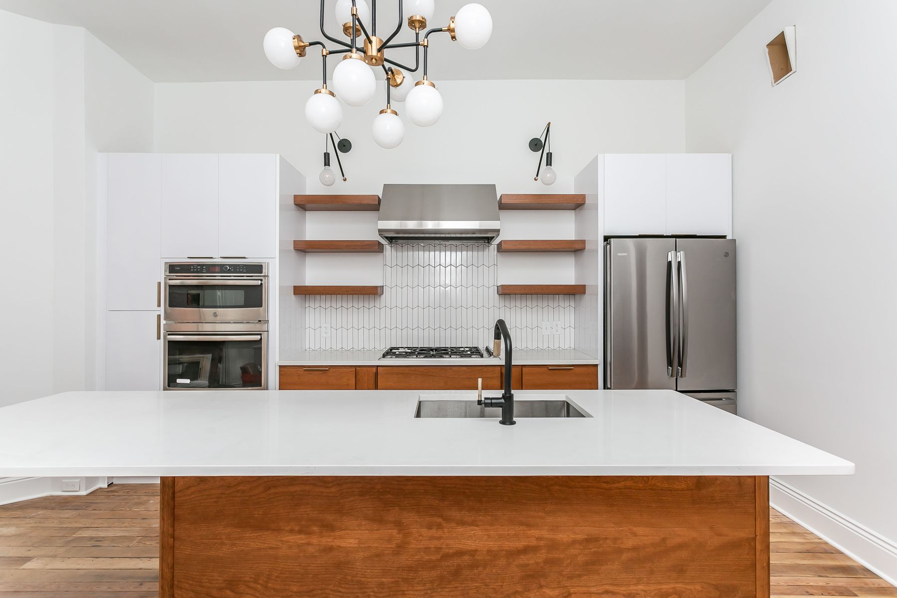 Kitchen image in new town home
